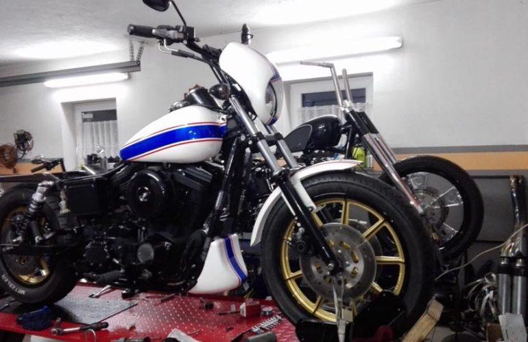 Harley-Davidson Dyna Low Rider Capitan America 1998, mikuni, biały, wrap, screamin eagle
